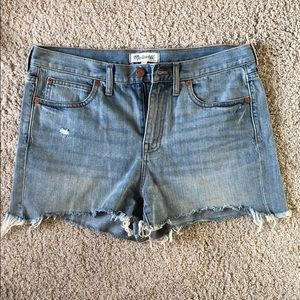 Madewell LIKE NEW High-Waist Jean Short Size 28